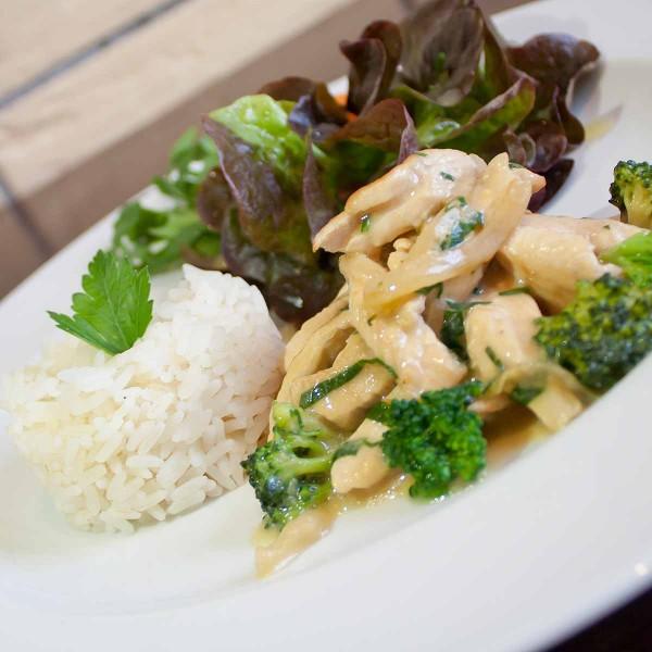 Putenbrust-Geschnetzeltes-mit-Reis