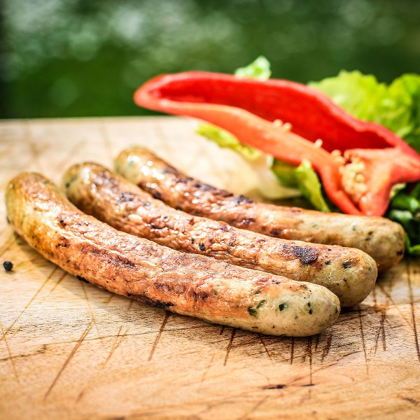Grobe Bio-Geflügel-Bratwurst mit Käse